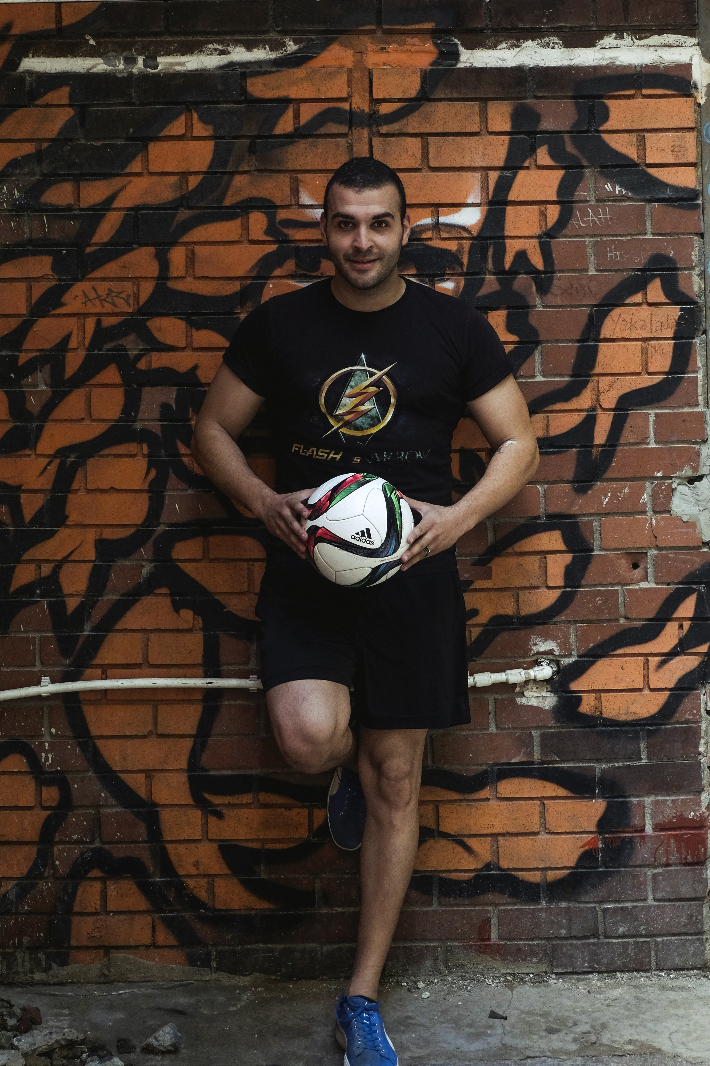 Freestyle footballers' from and around Istanbul met in Istanbul prior to the 2016 Turkish Championship to be held in Izmir on 11th December 2016. We have shot promotional videos and photography in back streets of Istanbul's Karaköy and Tünel districts. The person on this picture is the Turkish Champion in freestyle football Erkan Yetim.