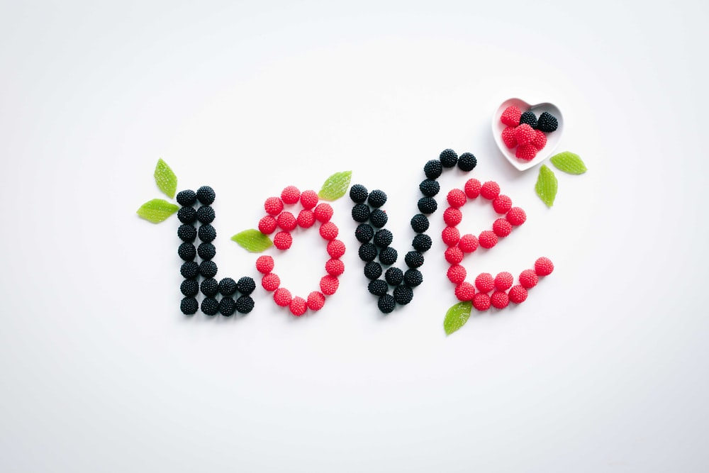 pink and black love text