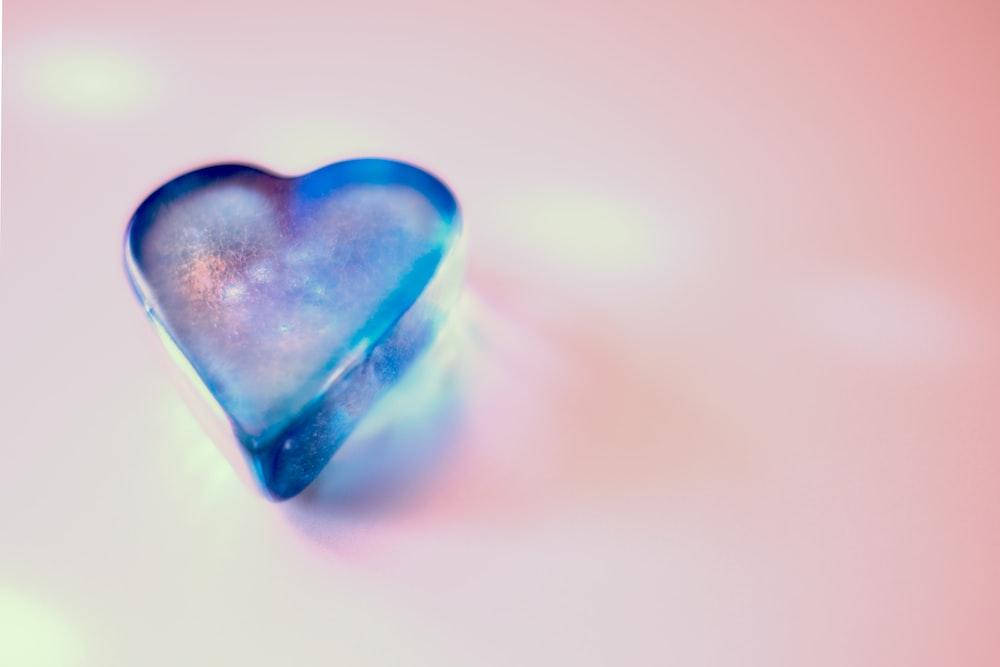 closeup photo of blue heart