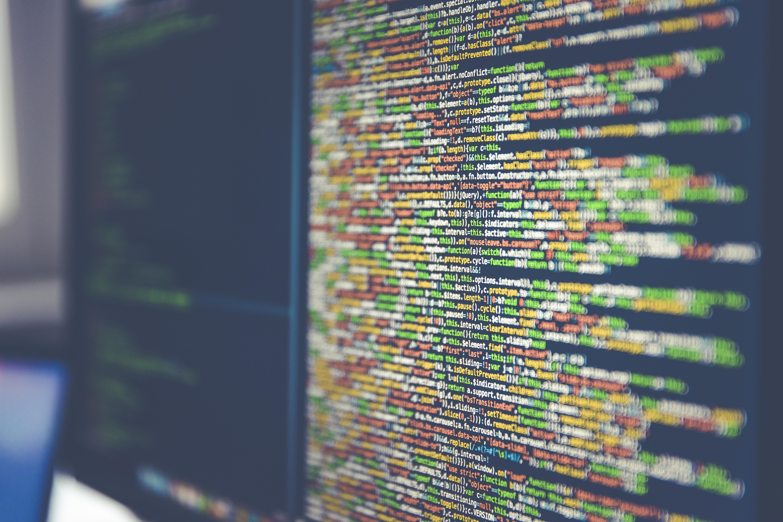 code informatique sur écran d'ordinateur
