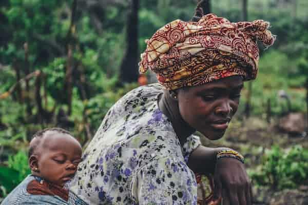 """לגדל הורים וילדים: סקירת יום עיון על שיטת """"אייכה"""" לטיפול בילד באמצעות הדרכת ההורה"""