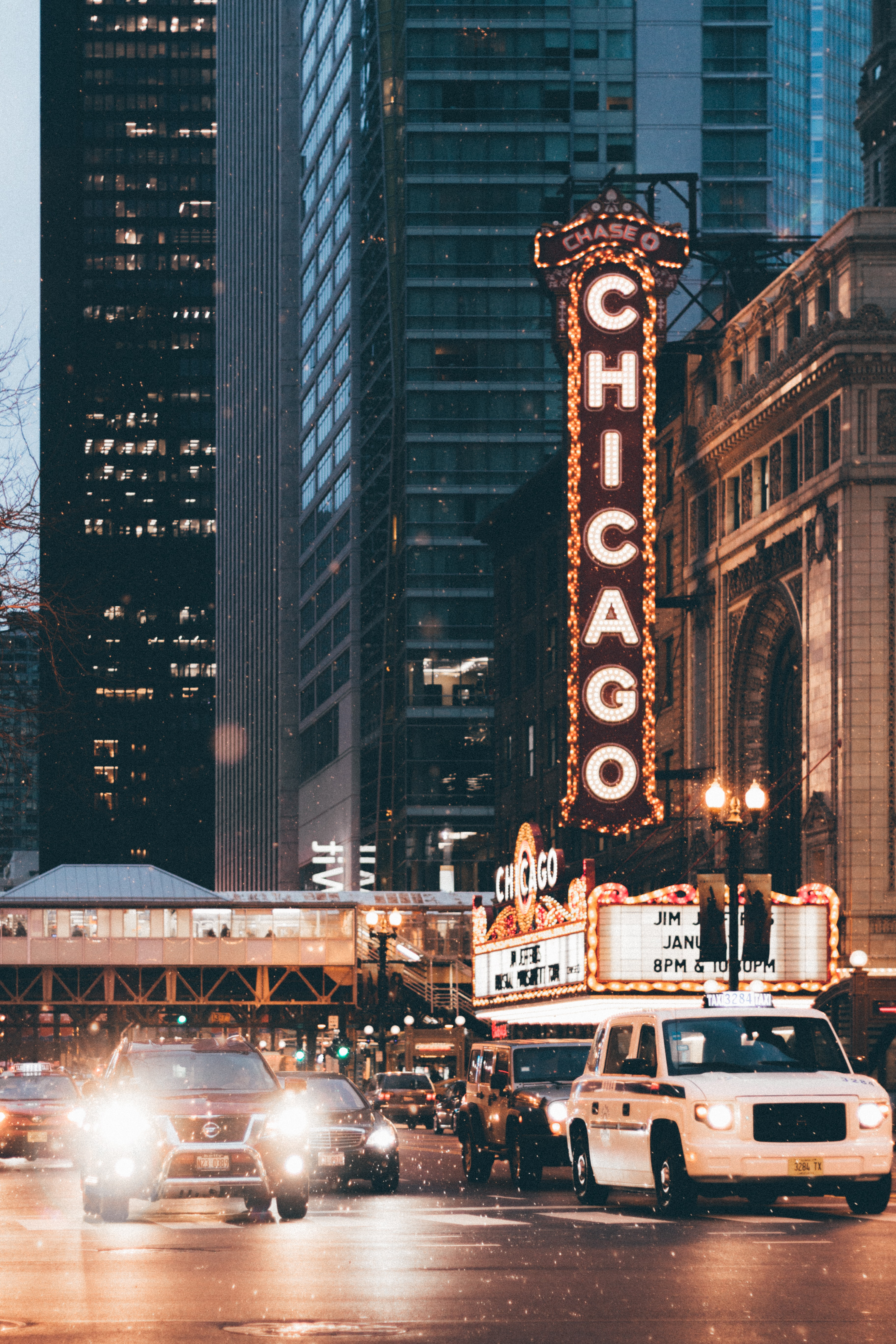 Chicago Theater In Time Lapse Photography During Daytime Photo Free City Image On Unsplash