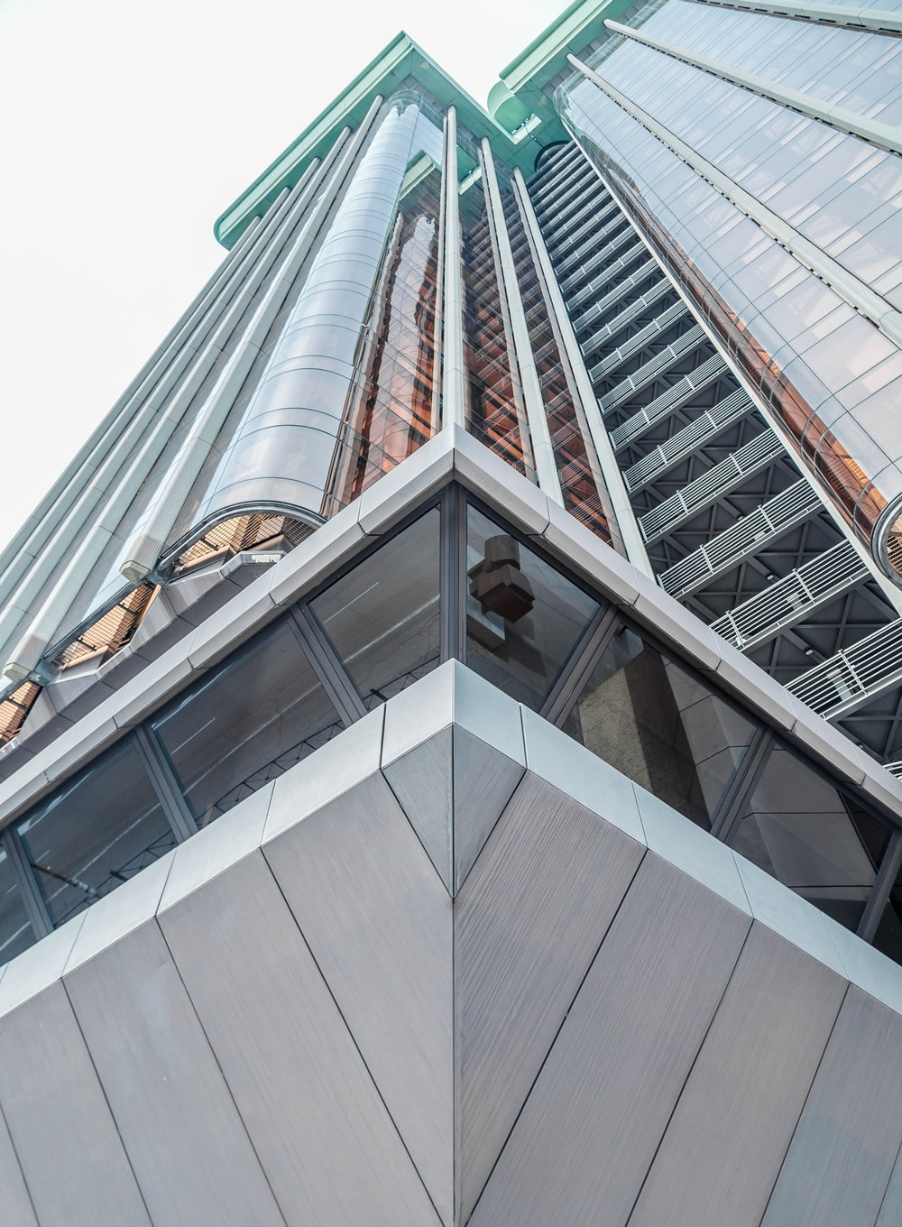 close-up photography of high-rise building