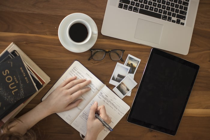 meningkatkan skill di rumah - menulis