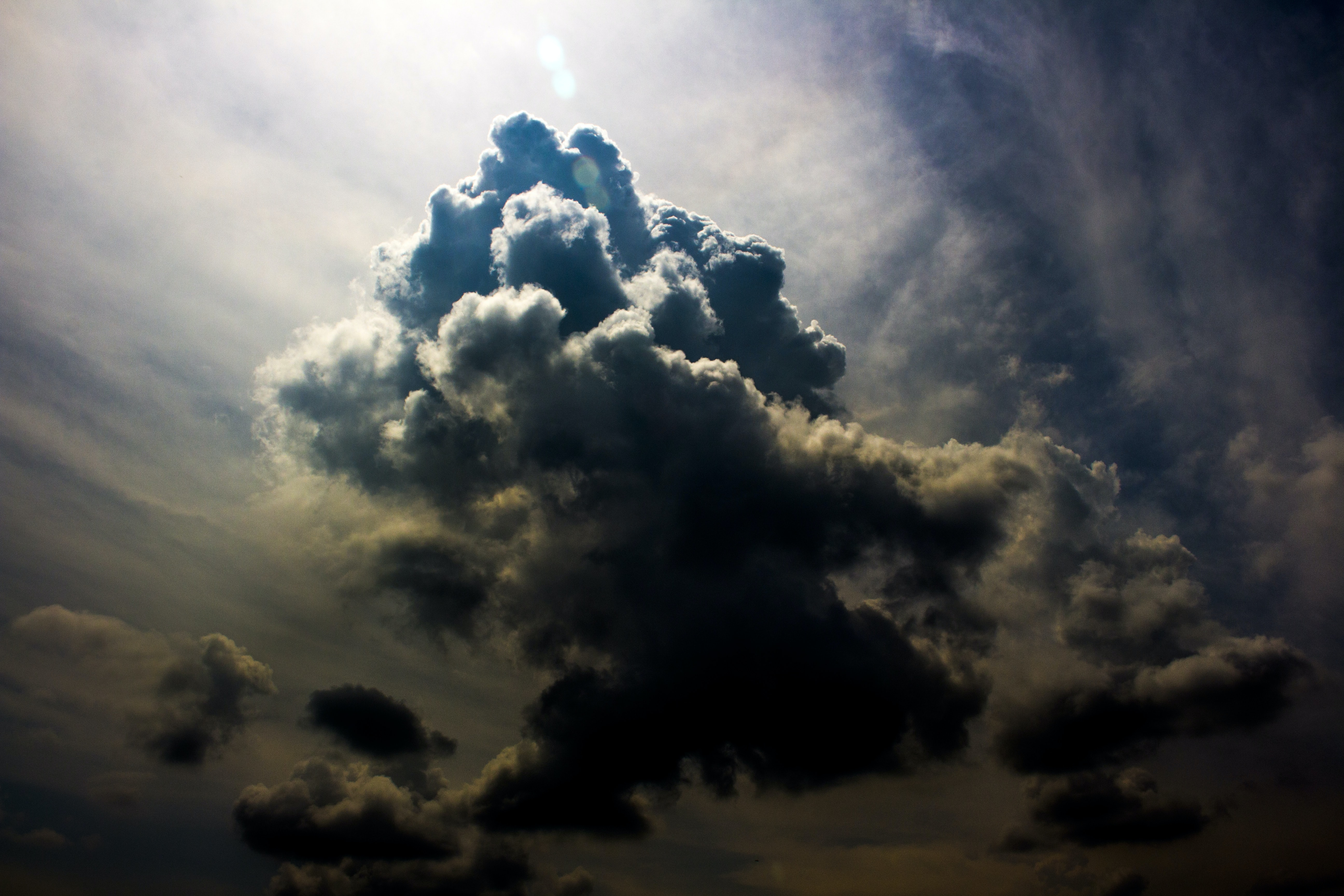 photo of blue clouds