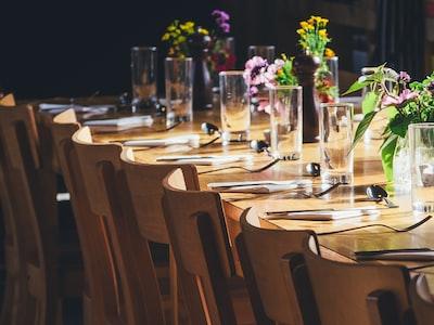 Quasi metà degli italiani sogna di andare a cena fuori