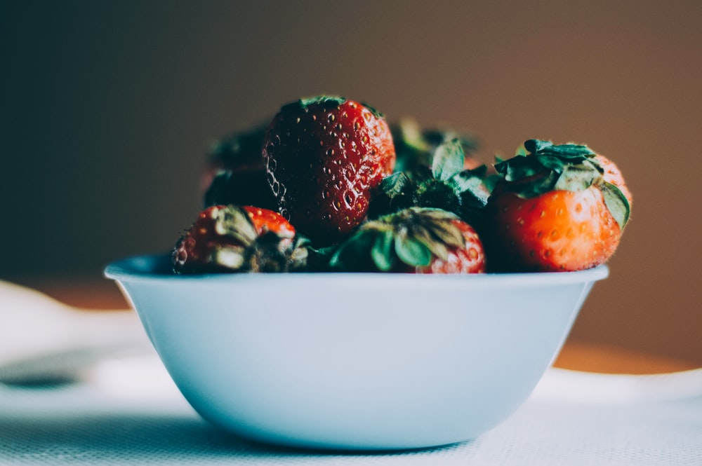 bunch of strawberries in bowl