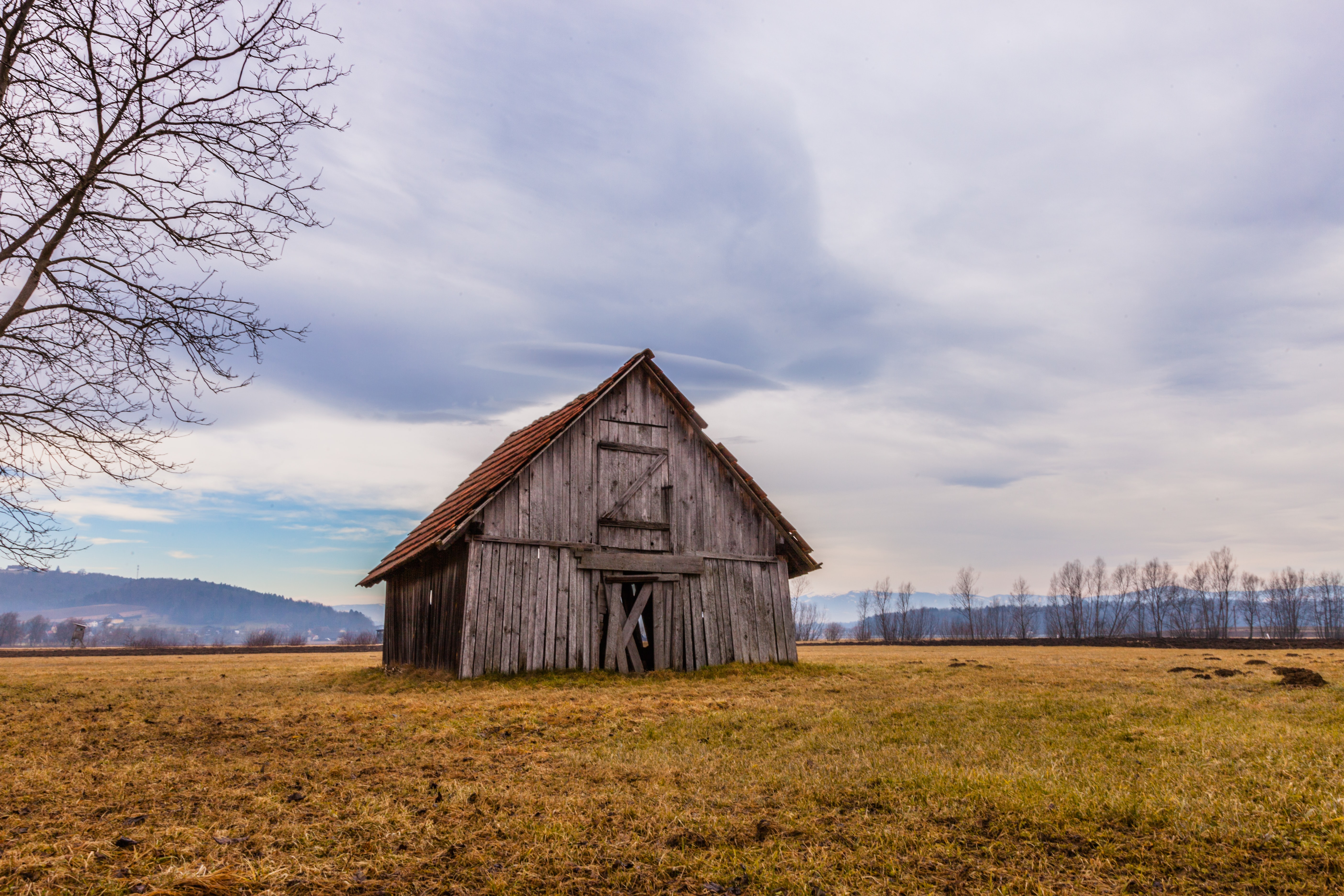 photography of brown wooden hut