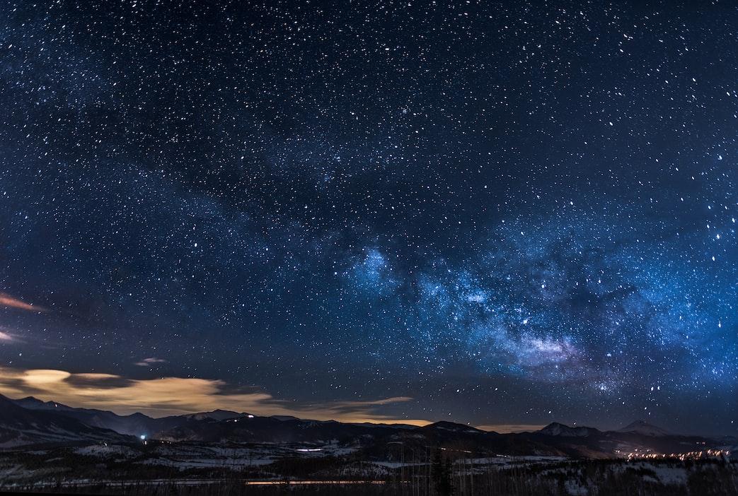 Звёздное небо и космос в картинках - Страница 4 Photo-1488866022504-f2584929ca5f?ixlib=rb-1.2