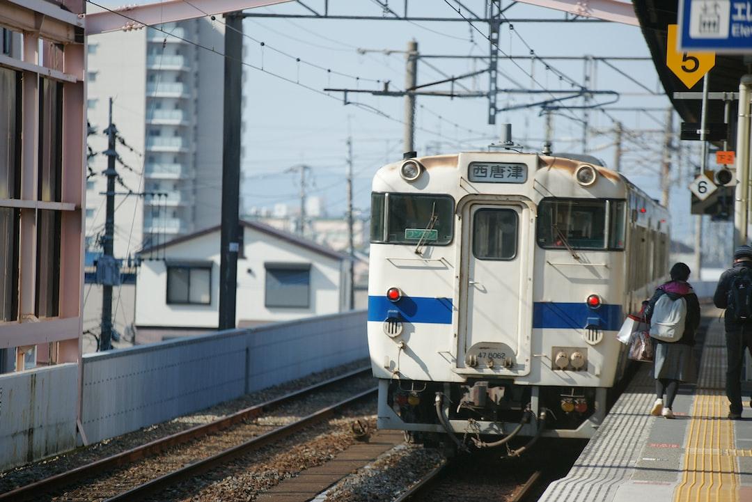 사가여행중 만난 사가역 기차 - reporterpark