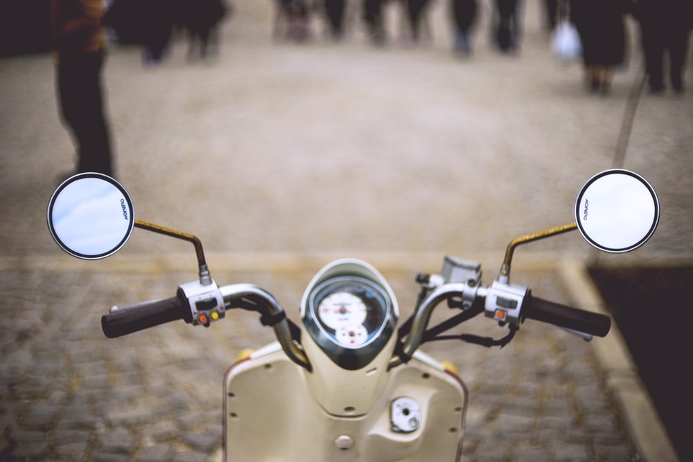 close-up photo of motorcycle