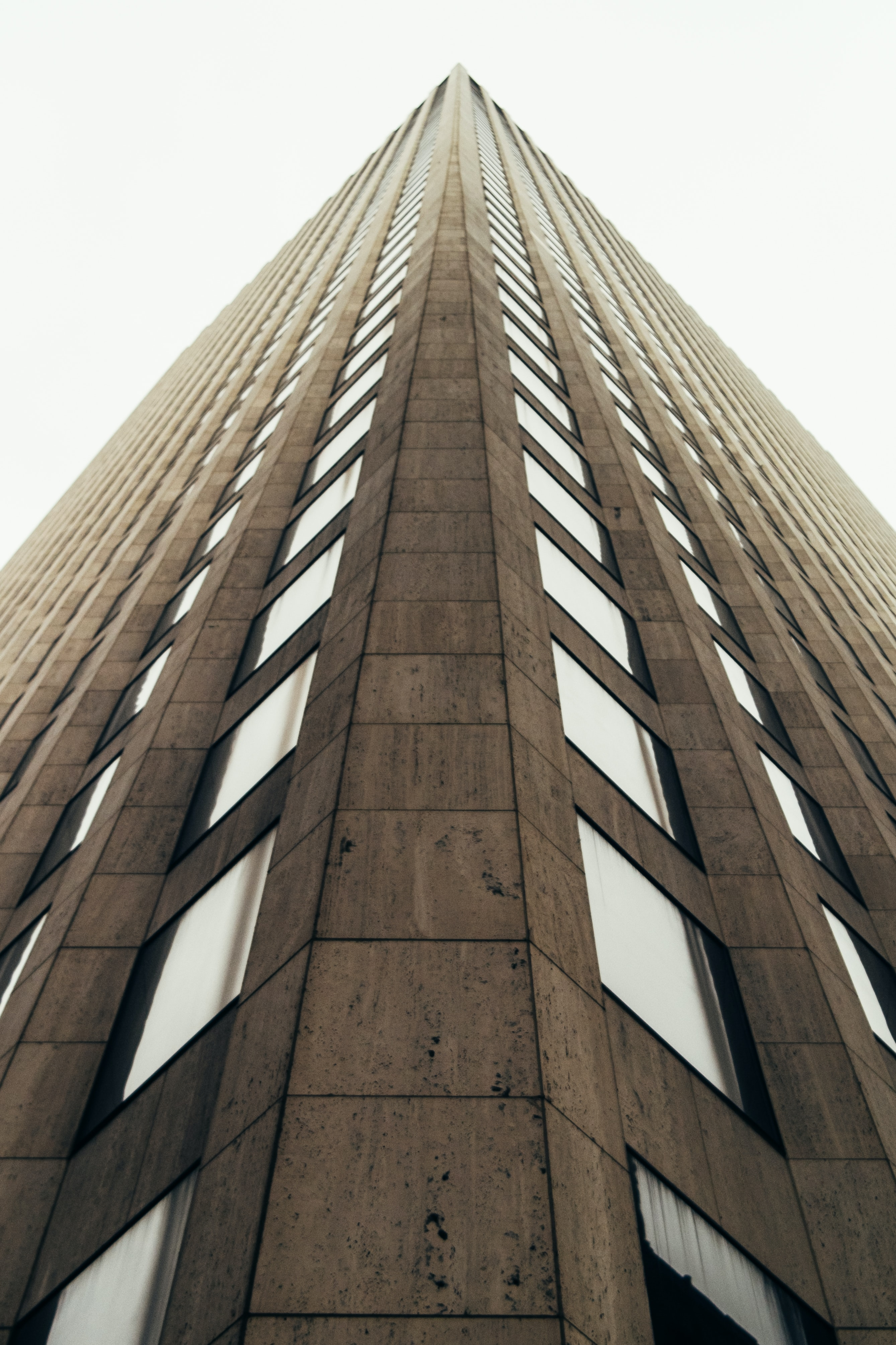 A low-angle shot of a monumental high-rise in New Orleans