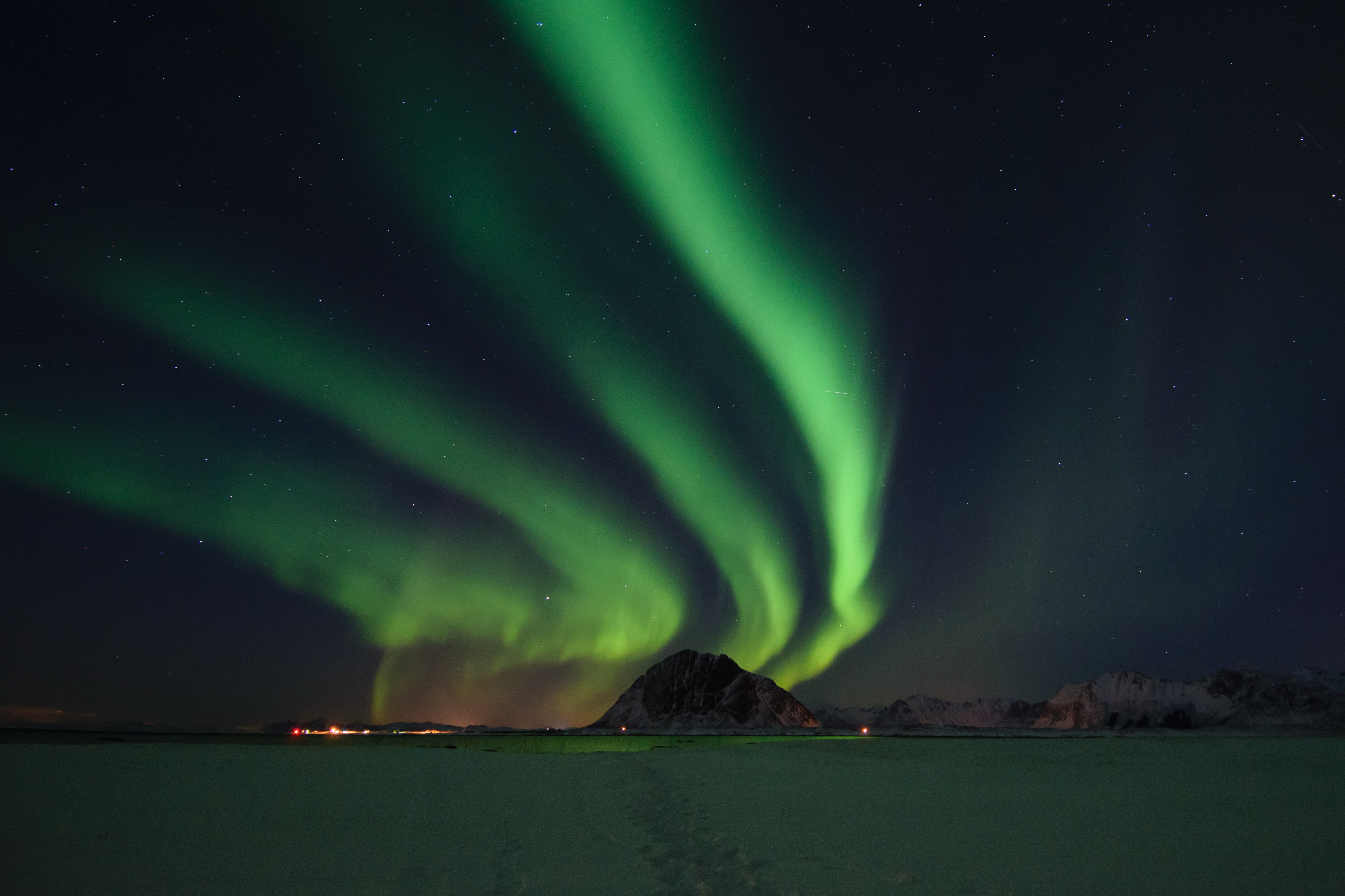 time lapse photography of Northern Lights
