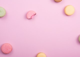 pile of French macaroons