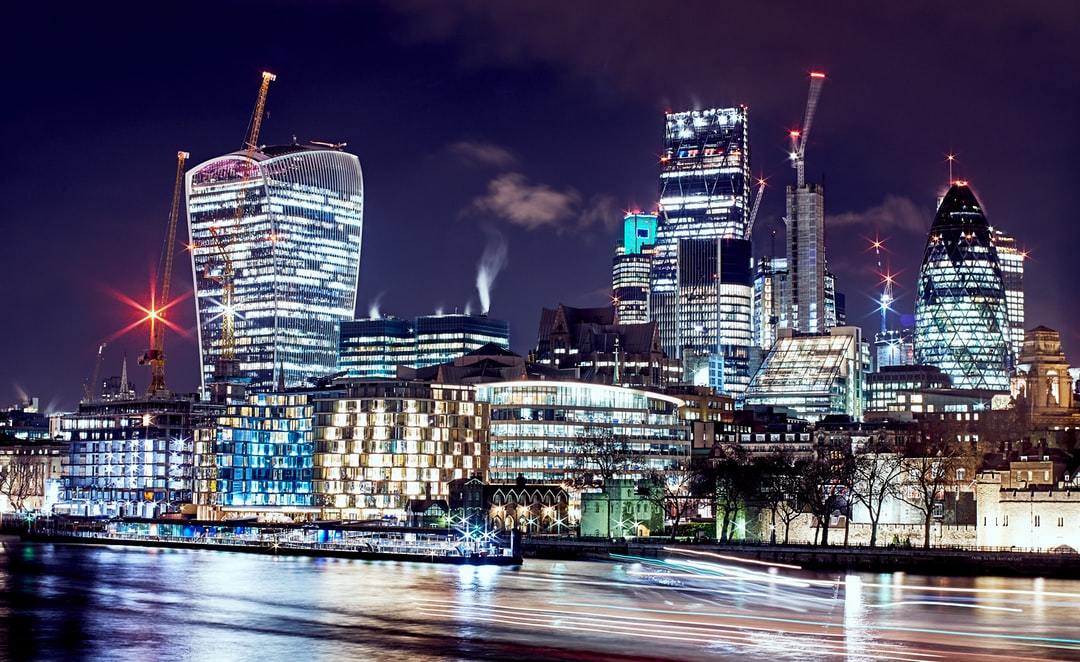 Took this on March 22nd, the same date as the terrorist attacks at Westminster. City activity still in full swing. Buildings looking great on a chilly night and the day-to-day hustle on the Thames continues.