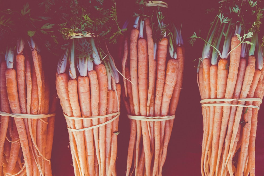 carrot lot with ropes