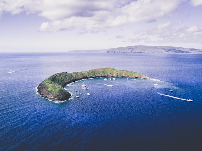 Cheap Flights to Molokai Hawaii