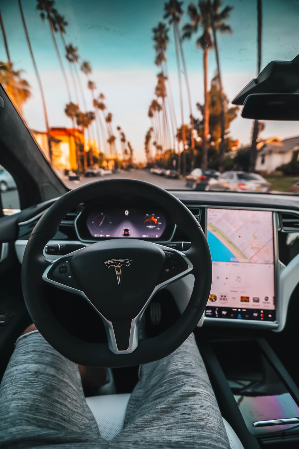 interior view of Tesla car, tesla auto driving