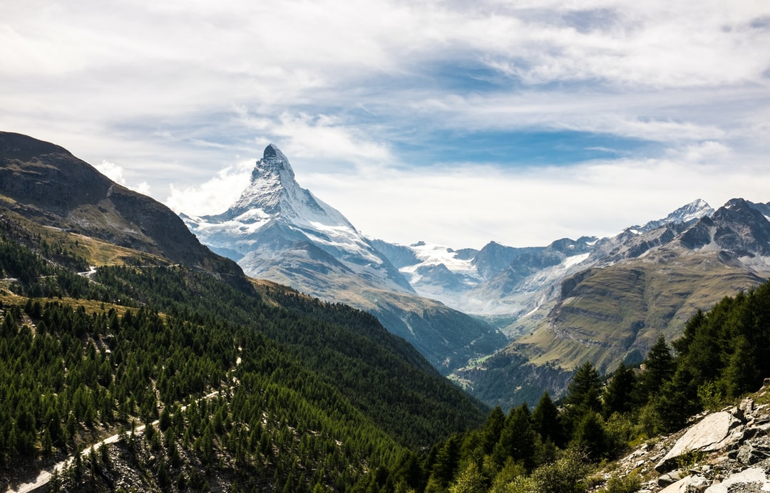 I love this area around Zermatt. I took several pictures and videos around there for vindora.co.