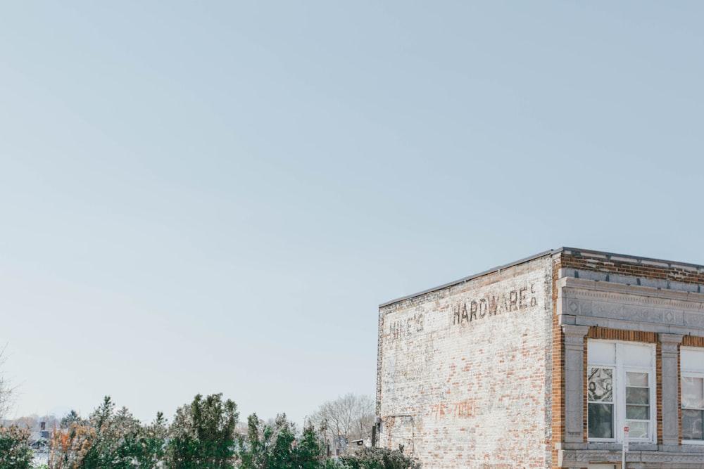 photo of a gray concrete building