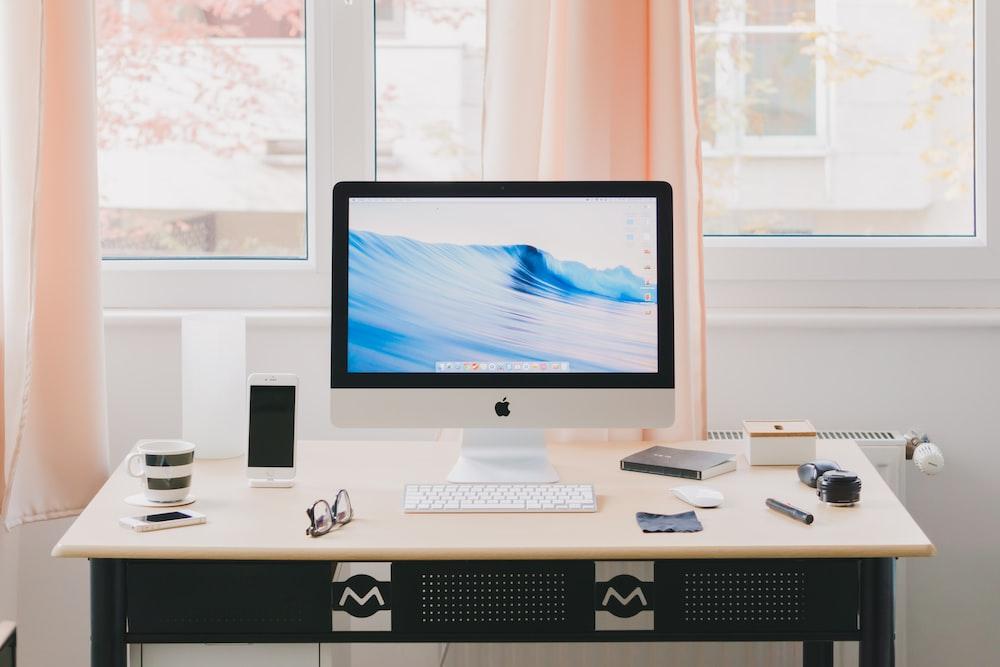 turned silver iMac