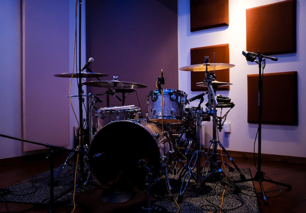 empty acoustic drum kit
