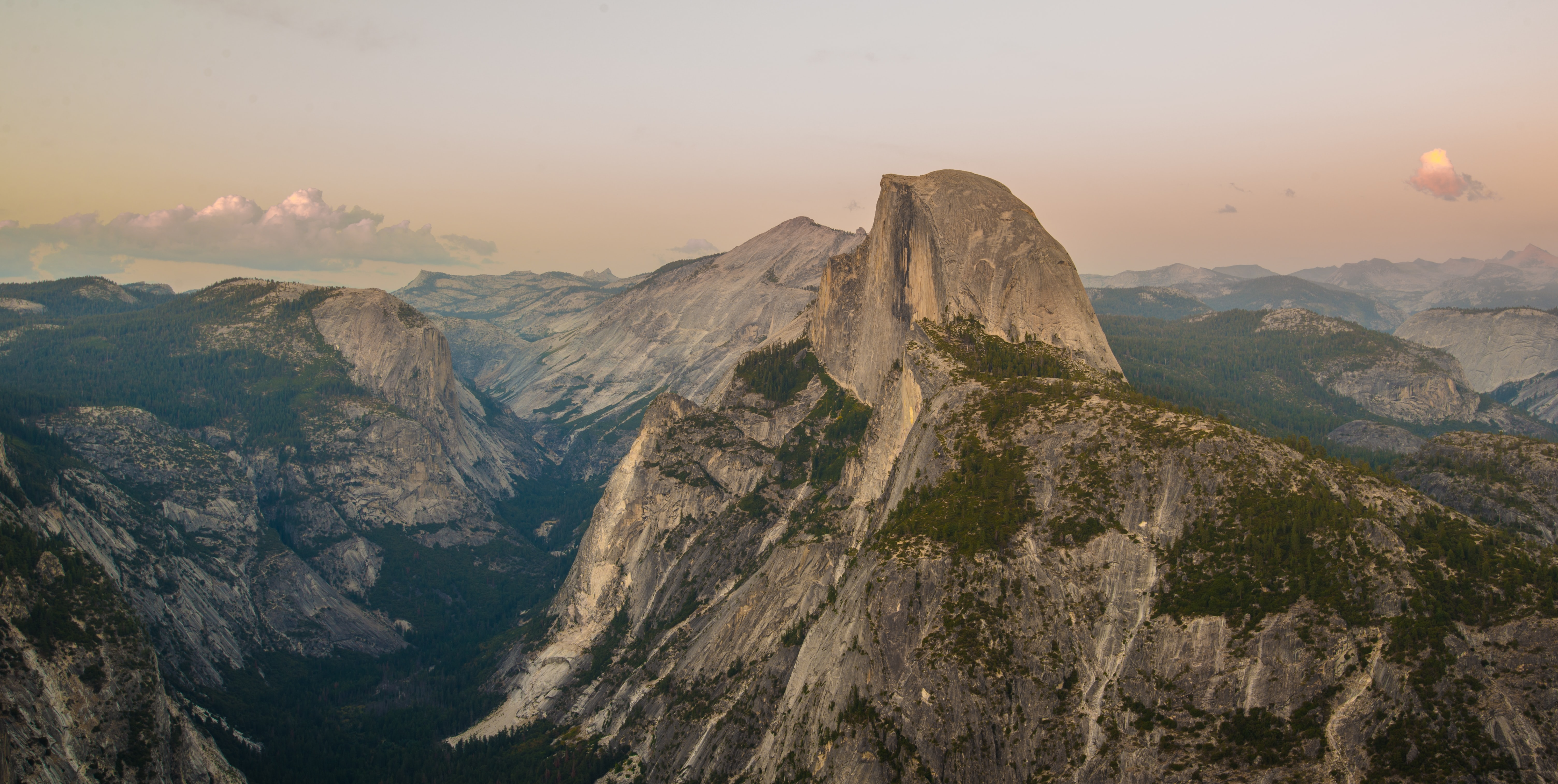 A high landscape view of the Yosemite Valley on a sunny afternoon