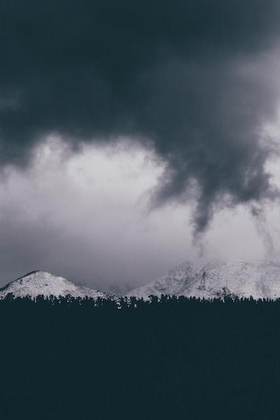 2241. Viharfelhők