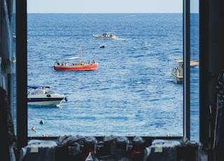 photo of boat sailing