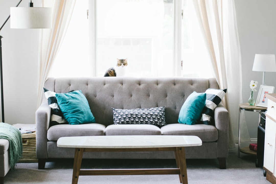 7 Design Tricks You Can Use to Brighten up a Dark Room
