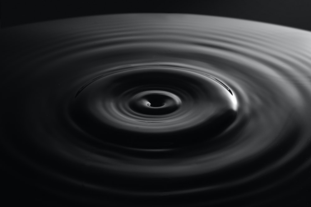 close-up photo of water ripple