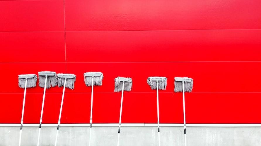 10 cara jitu bersihkan kamar kost keren