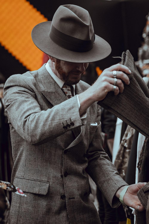 men's gray and black hat