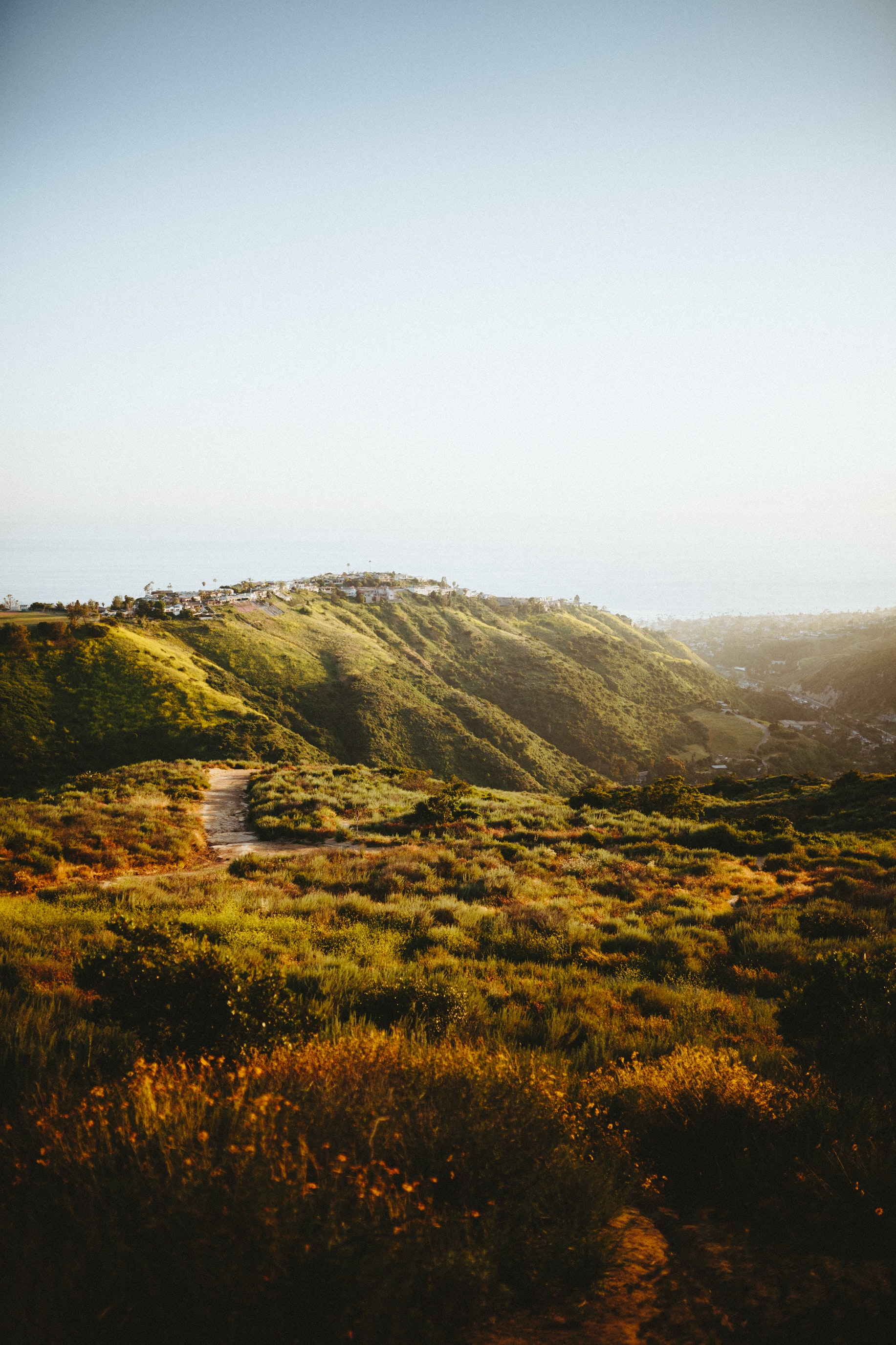 Green hills and valleys at Laguna Beach