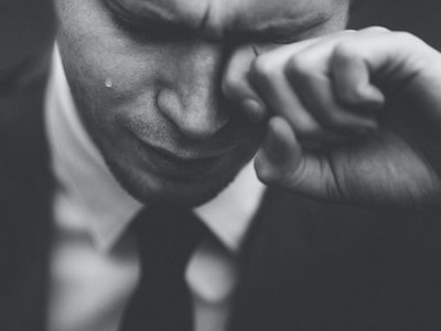 """Covid nelle lacrime, studio dello Spallanzani: """"Anche gli occhi potenziale fonte di contagio"""""""