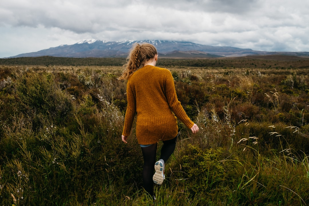 On our way through New Zealand, we stop in the Tongariro National Park to have a look to that maintain. Unfortunately we can't walk over the mountain, because there where a thunderstorm in that days…