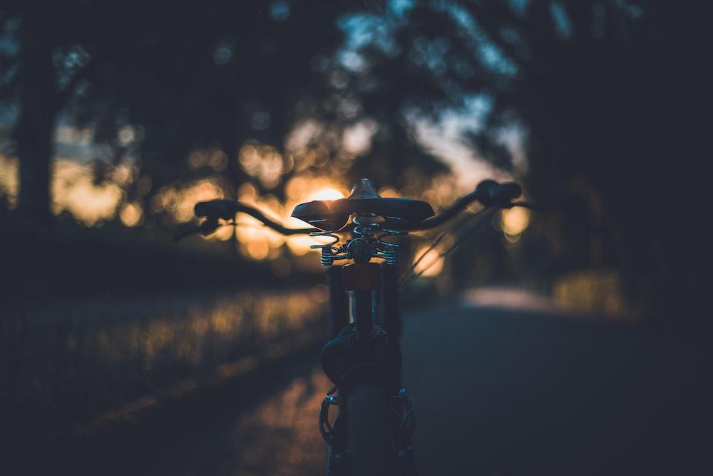 black hardtail bicycle