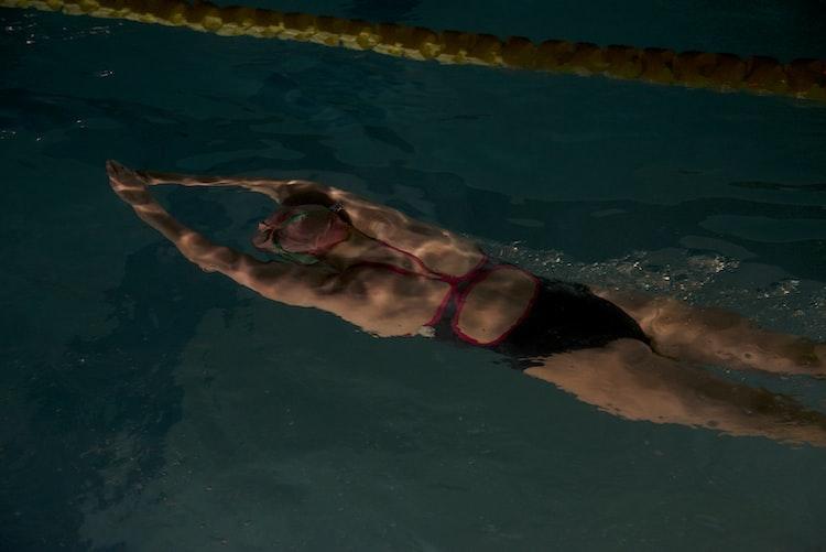Alaska nadadora