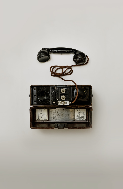 black crank phone