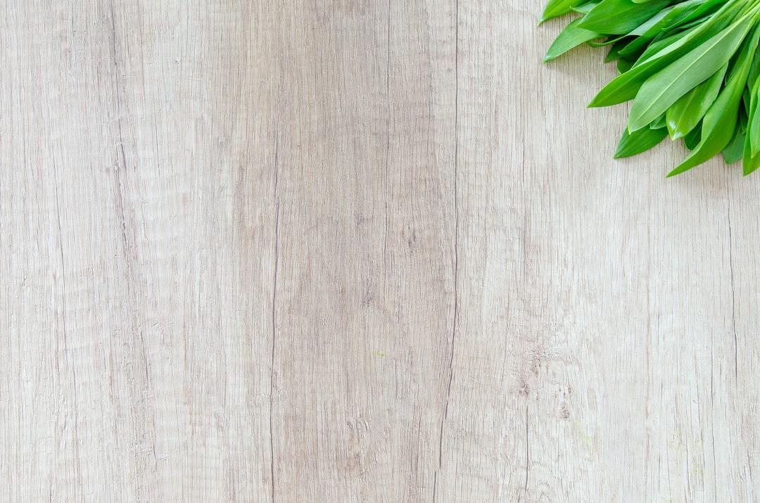 Fresh wood garlic on wood