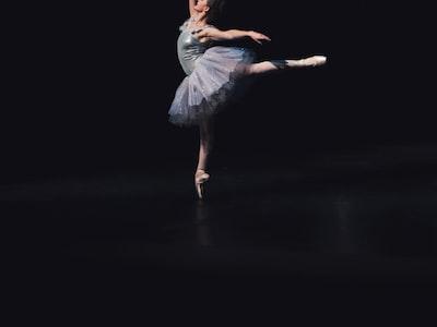 National Opera Paris dancer: #stayhome video