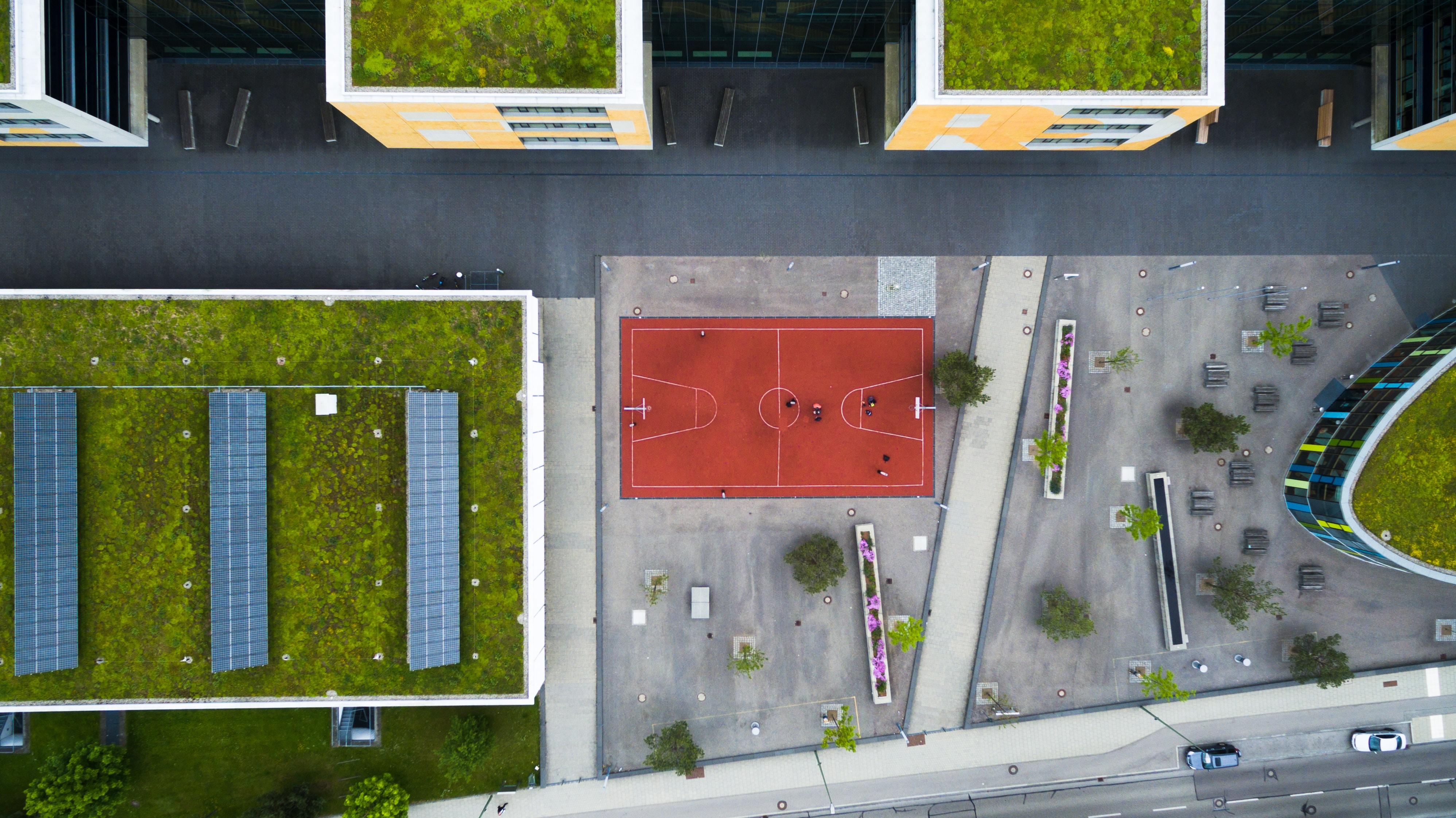 bird's eyeview photo of basketball field