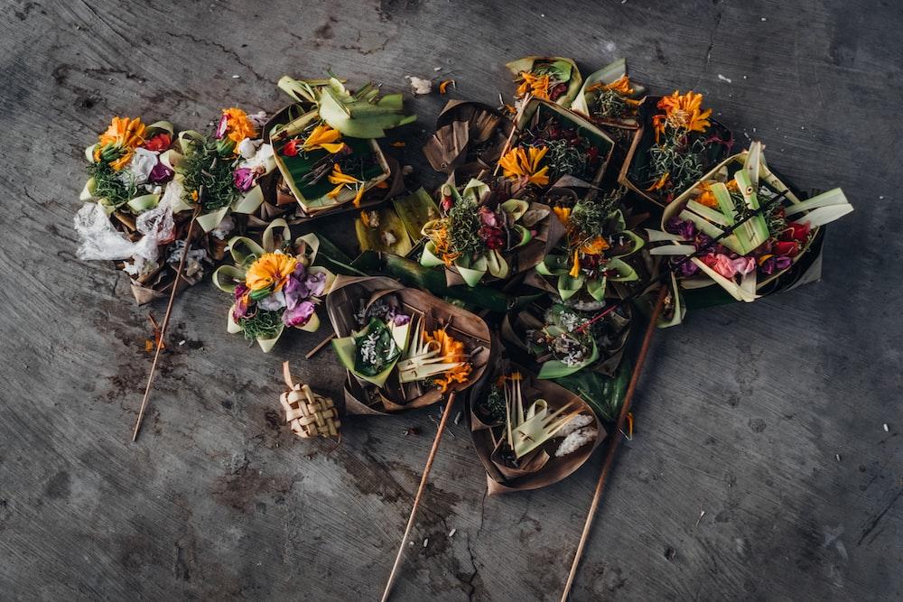 assorted flower decor lot