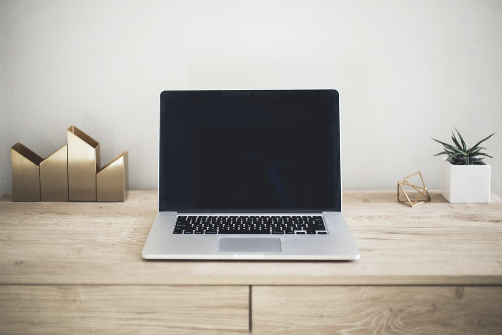 Office Laptop Pictures Download Free Images On Unsplash