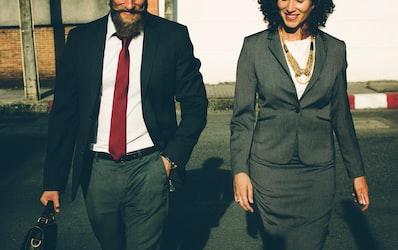 【ビジネス英語】「interact」はビジネスでもよく使う言葉!2つの意味をご紹介!