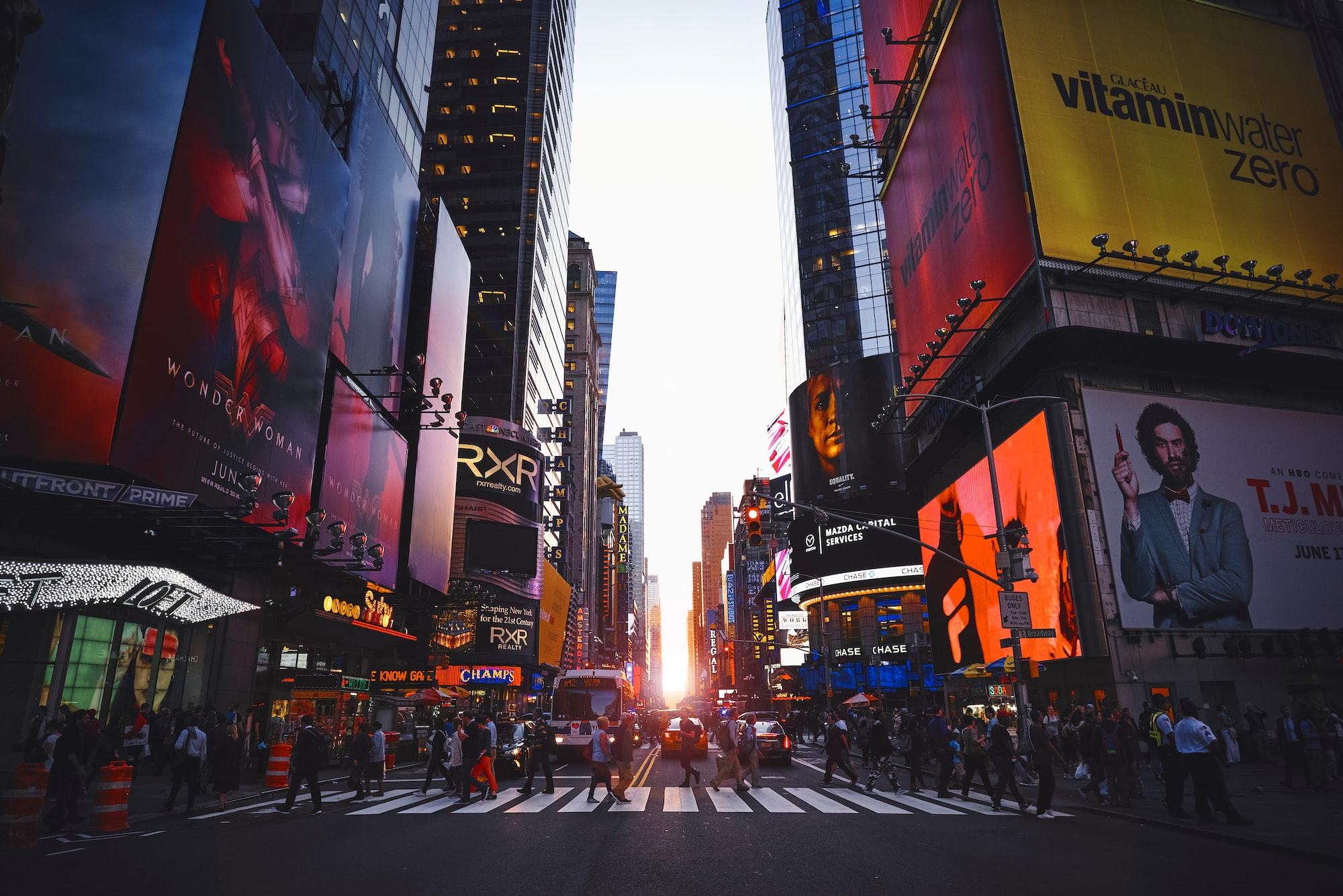Manhattanhenge on Times Square