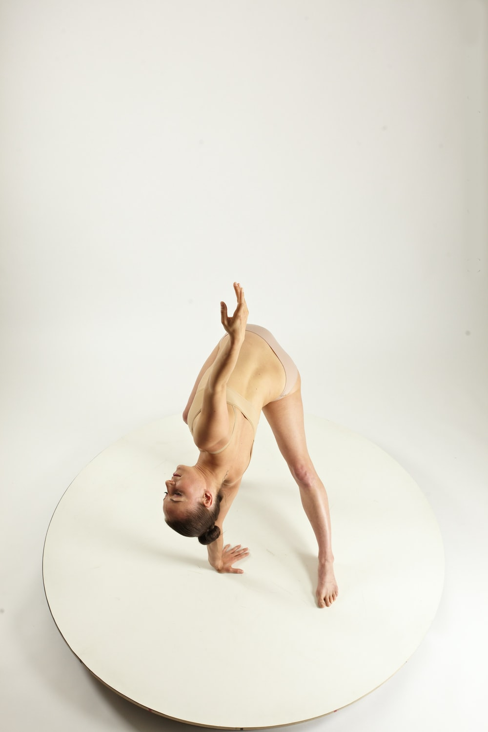 Gymnastic Reference - Vivian photo by Female Anatomy ...