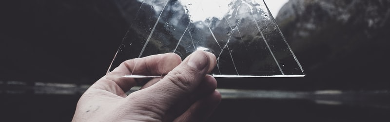 「transparent」はビジネスで使える!意味だけでなく例も交えて解説!