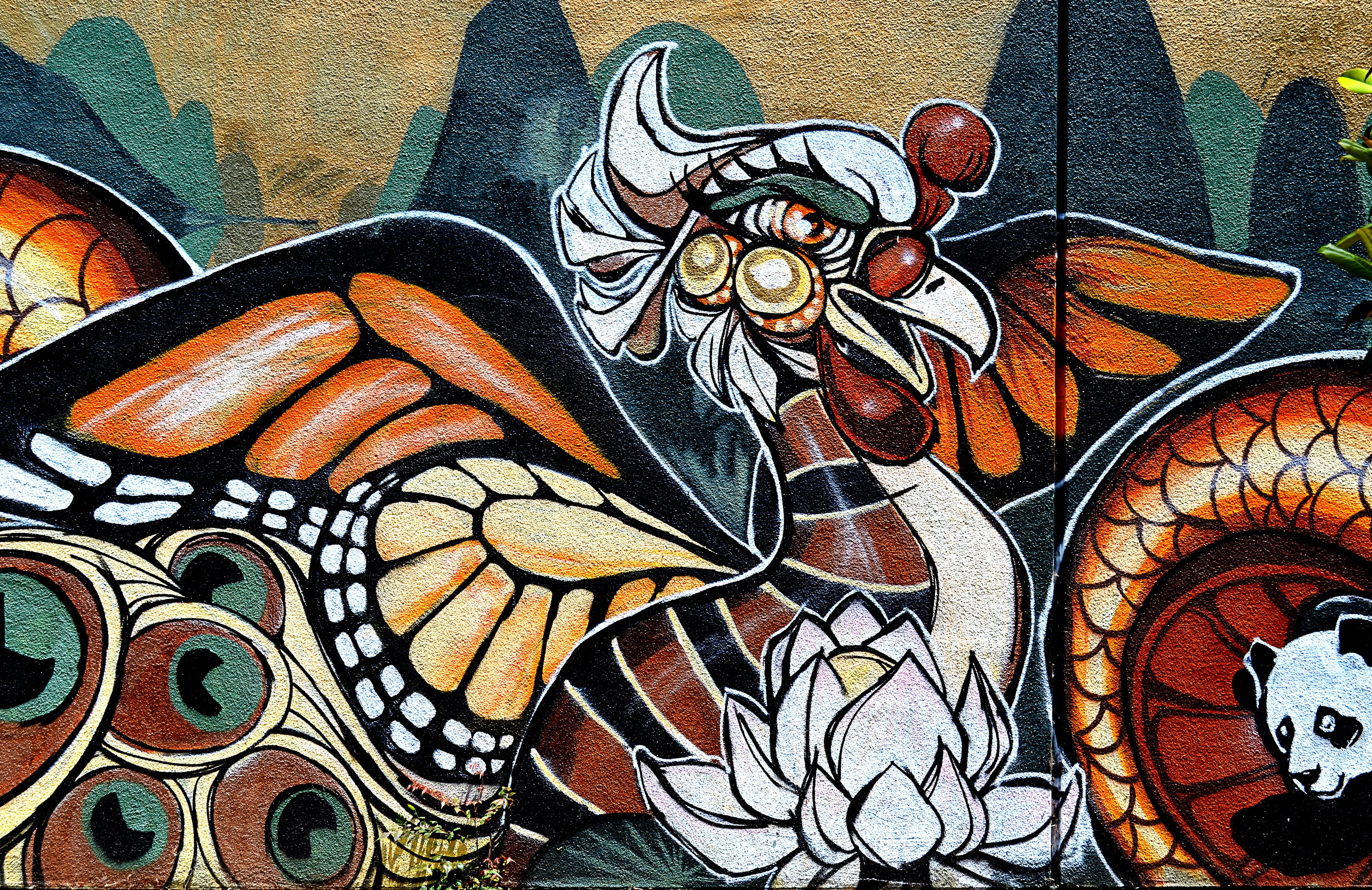 Abstract street art of animals and flowers in Oakland