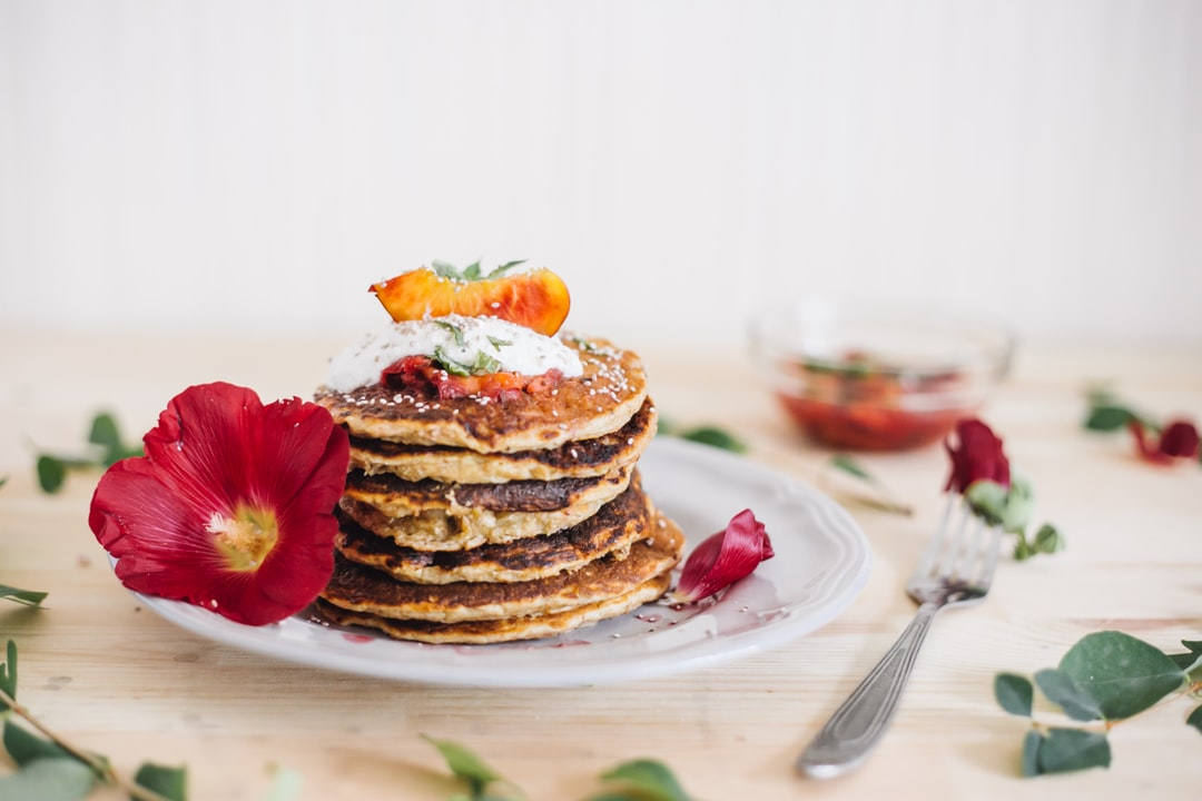 If you happened to be awfully hungry and have some oats and a banana - go ahead and make these. Bon appetite.